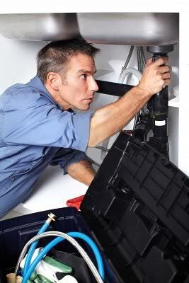 4 tell tale signs you need to call a plumber