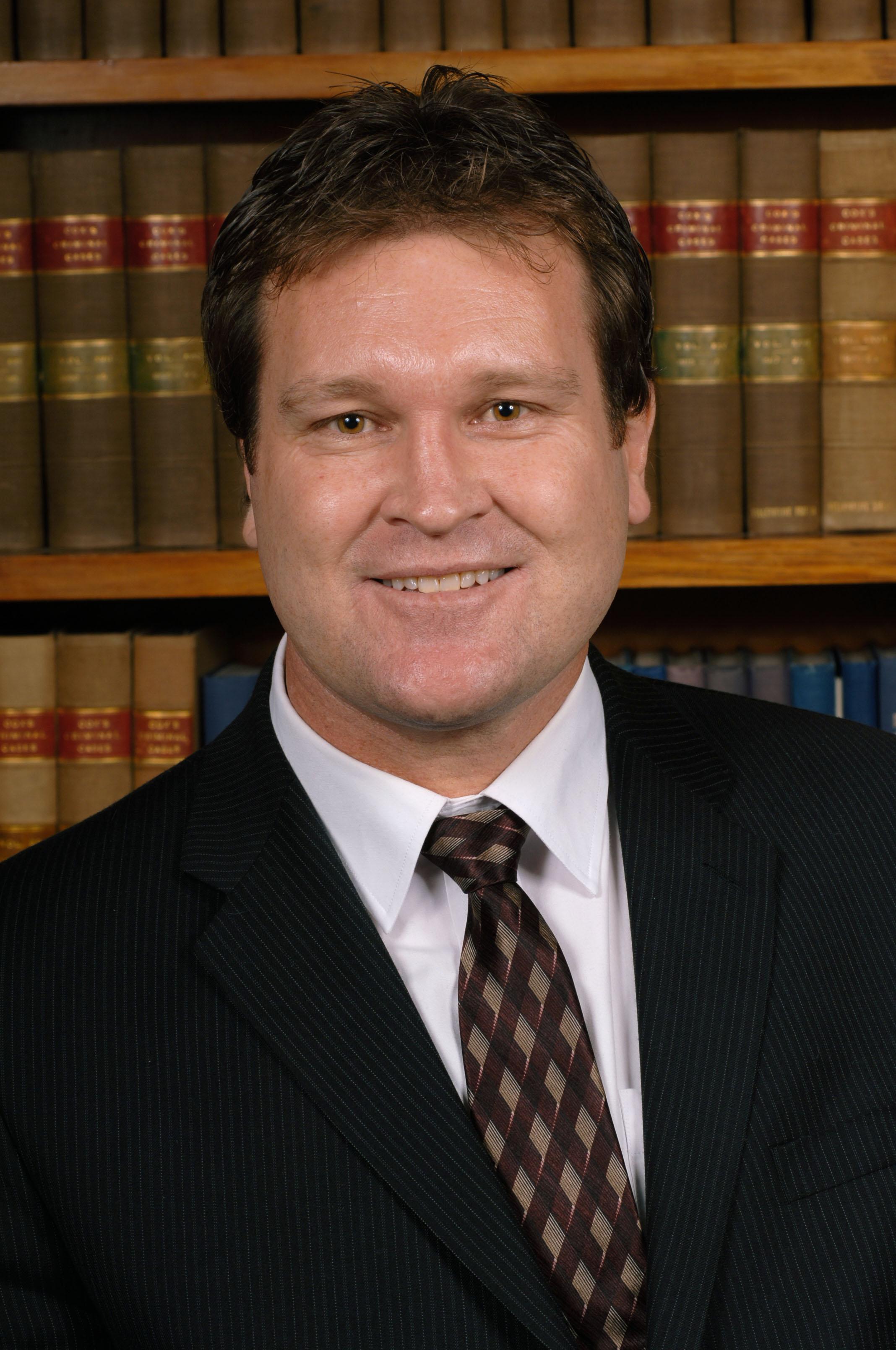 Wayne Henwood, LL.B (Hons)