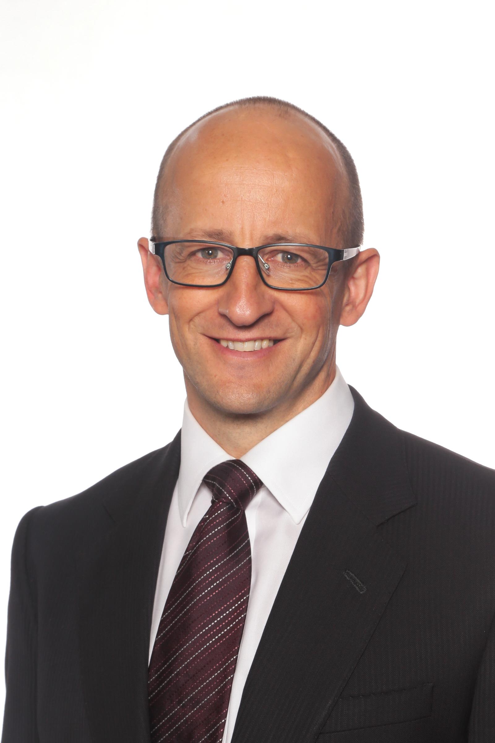 Craig Smith, BEng (Chem)(Hons, Monash), LL.B (Hons, Monash), LL.M (Melbourne)