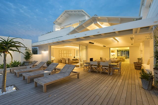 House with deck
