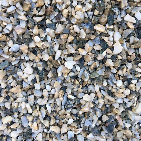 Long Hill Salt and Pepper Gravel 10mm