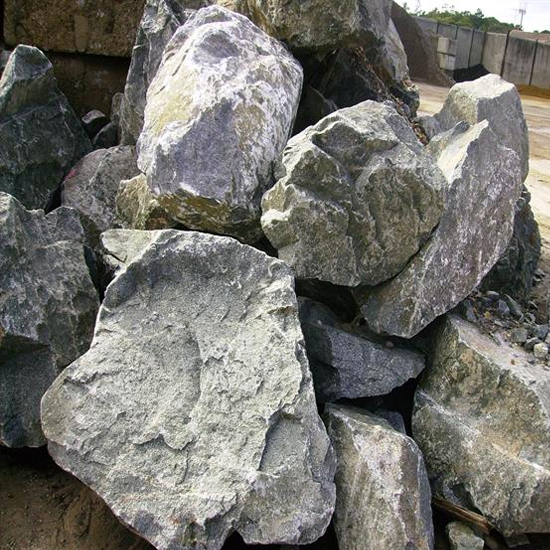 2 to 3 Man Andesite