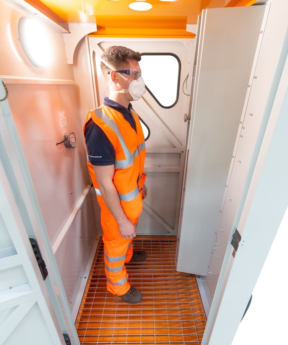 JetBlack Hands-free Personnel Cleaning Booth (with extractor)