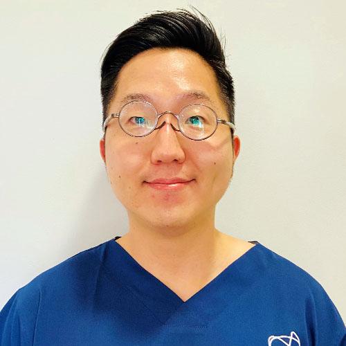 Dr Justin Kim - Dentist