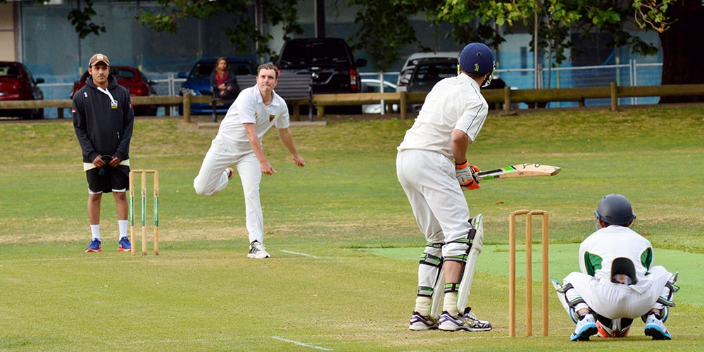 How to Manage Common Cricket Injuries