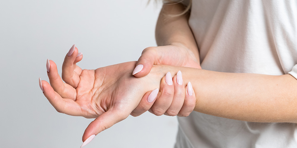 What is the difference between osteoarthritis and rheumatoid arthritis?